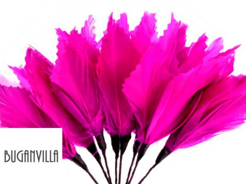 Diadema de plumas color buganvilla