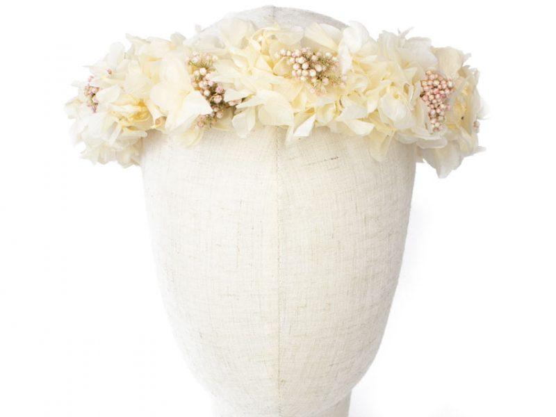 Corona para comunión con flores preservadas