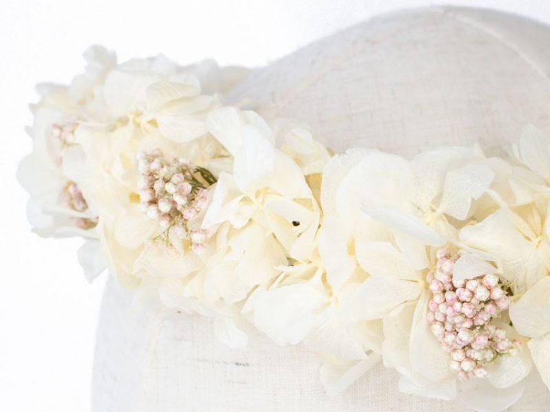 Corona para comunión o novia con flores preservadas