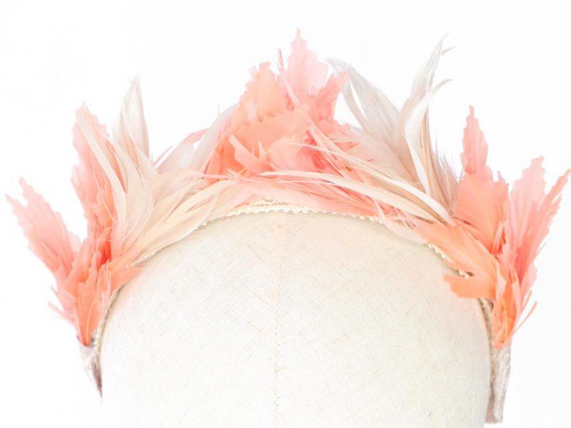 Diadema de plumas para boda