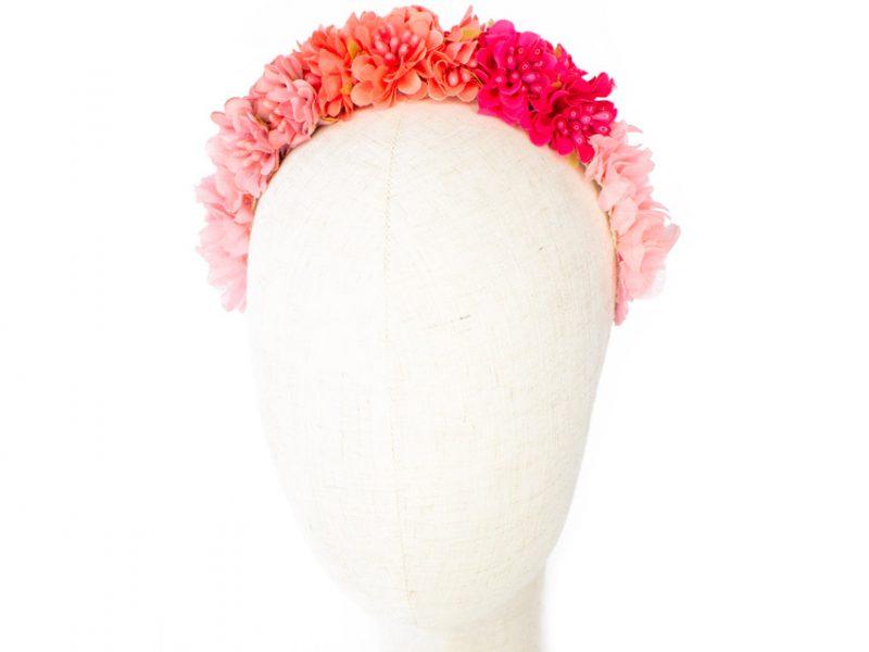 Diadema de flores rosa con hortensias preservadas