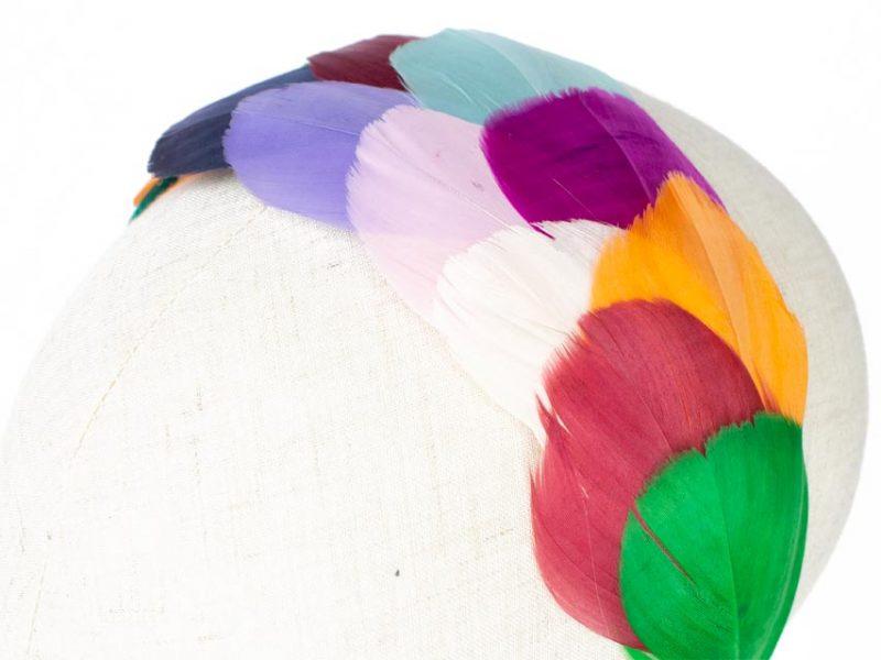 Diadema con plumas para boda