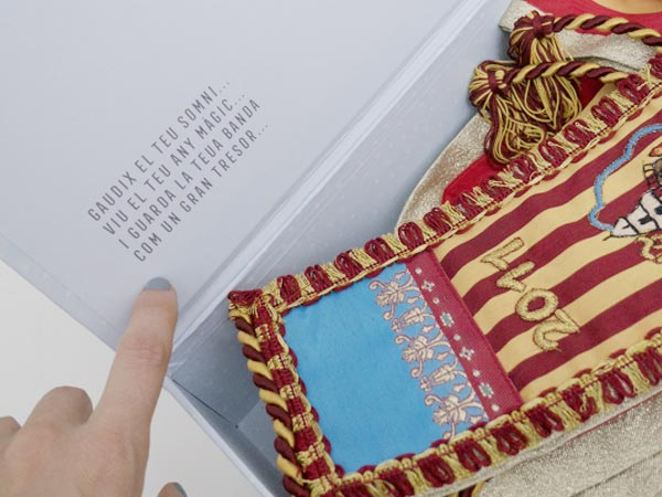 caja para la banda de fallera