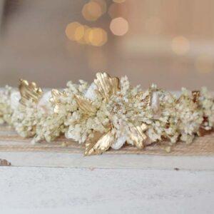 tocado de novia dorado flores